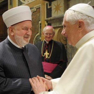 VATICAN-POPE-ISLAM-MEETING