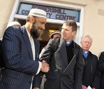 Good-Friday-Bonds-UK-Muslims-Christians_