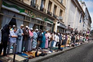 7-4-15_France-Presents-Islam-a-la-Francaise