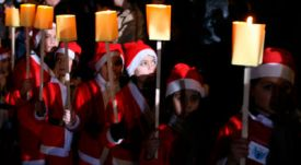 Reuters-Syrian-children-Santa-Claus-Christmas-Damascus-photog-Khaled-Al-Hariri