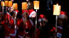 Reuters-Syrian-children-Santa-Claus-Christmas-Damascus-photog-Khaled-Al-Hariri
