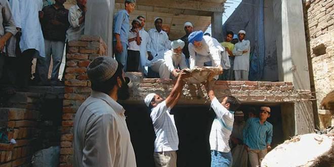 punjab_mosque_built_2010070