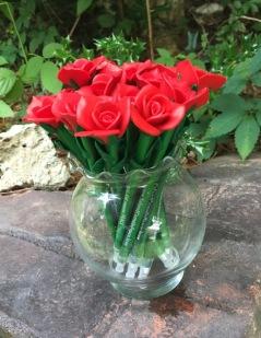 2016-07-12-1468308759-6512953-FlowerPensinvase-thumb