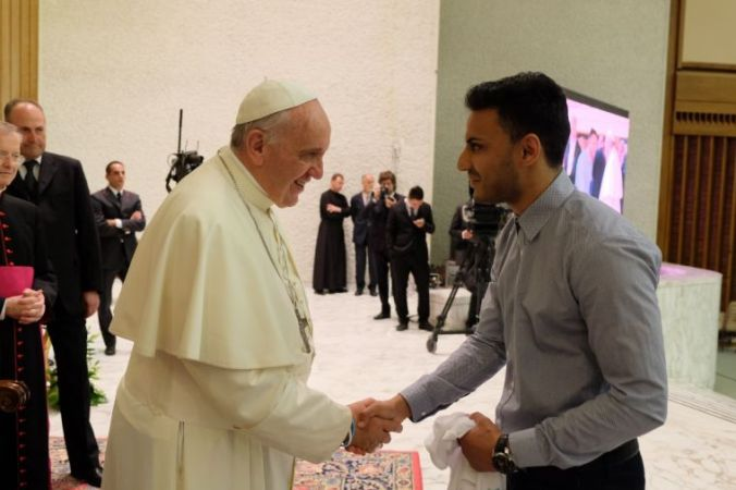 kashif-siddiqui-with-pope-francis-in-rome
