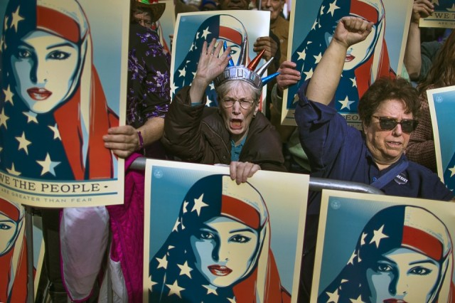TOPIX_Trump_Travel_Ban_Protest_48816.jpg-e3483