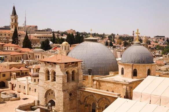 church-of-the-holy-sepulchre-700x