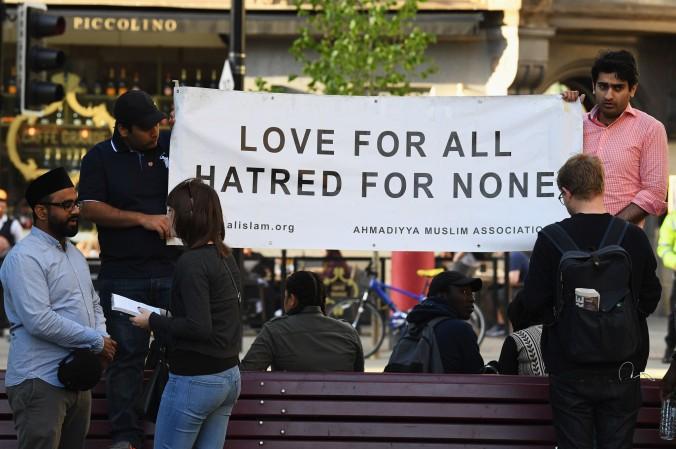 la-fg-britain-muslim-manchester-20170523