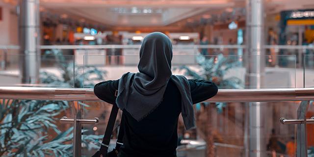 FT_17.08.03_muslim_men_women_MP_featured.jpg