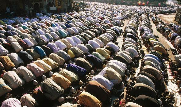 Eid-al-Adha-congregational-prayer-1472221